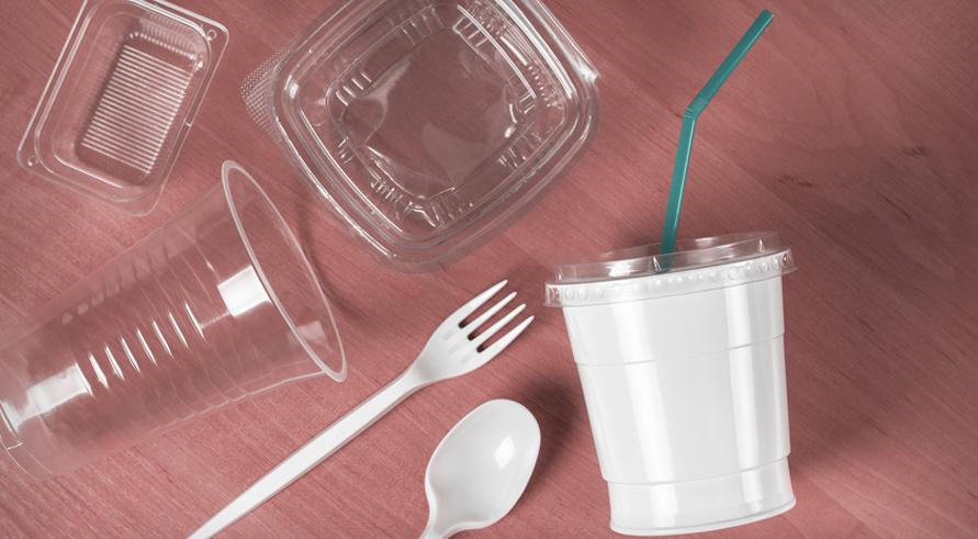 Interdiction du plastique à usage unqiue