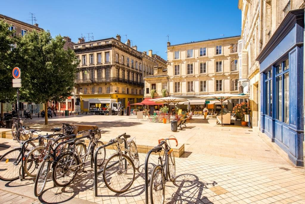 une belle place à Bordeaux