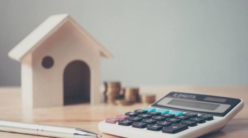 Calculatrice et petit maison